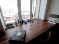 Стол-подоконник — особенности изготовления, правила использования и уход (115 фото)